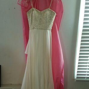 Theia wedding gown Beaded Chiffon 10 NWT